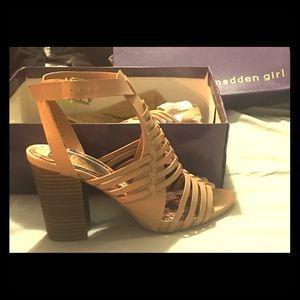 Madden Girl Remiie sandal 8.5